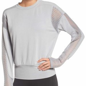 Alo Yoga Formation Pullover in Grey in size Medium